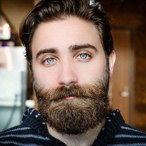Comment bien prendre soin de votre barbe hipster ?