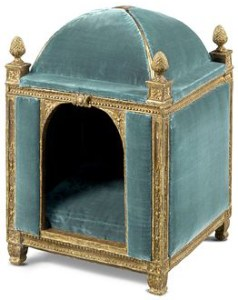 French royal dog in the 1700s - 18th Century Kennel