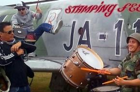 stamping_feet_1200_600