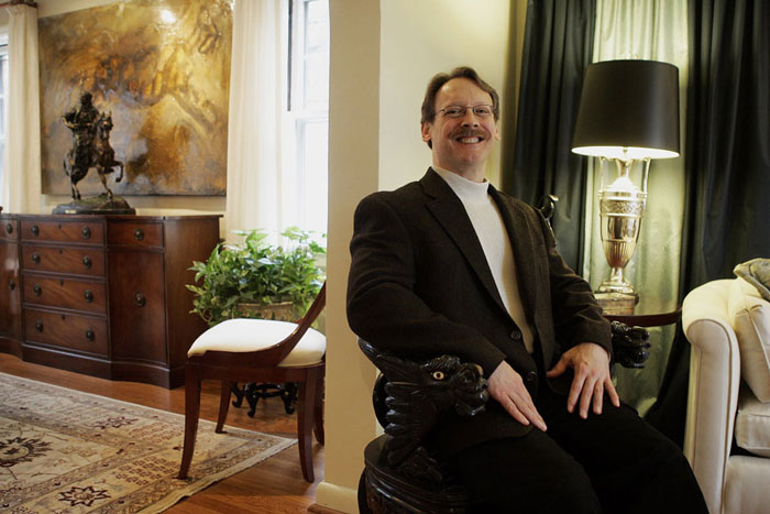 Edwin Massie in his home. ©2009 Max Gersh | St. Louis Post-Dispatch