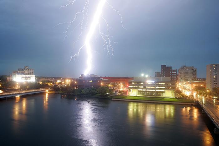 lightning in rockford