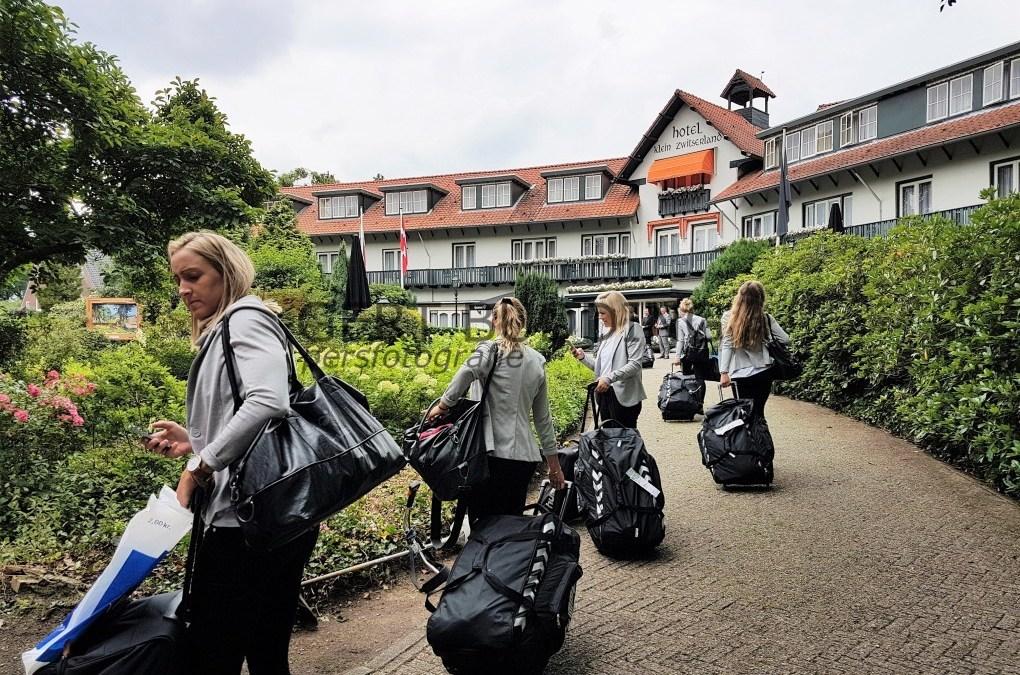 Deense vrouwenteam in Heelsum voor EK