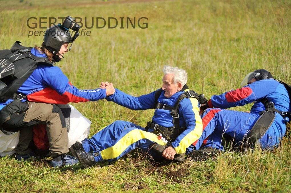 Britse 95-jarige John Jeffries springt op Renkumse heide