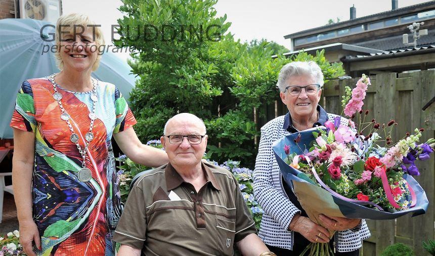 Karel en Maartje Meeuwisz 60 jaar getrouwd na eerste kennismaking ijsbaan