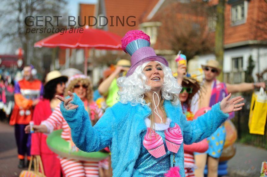 Zestien groepen zorgen voor kleurrijke optocht De Dolle Instuivers