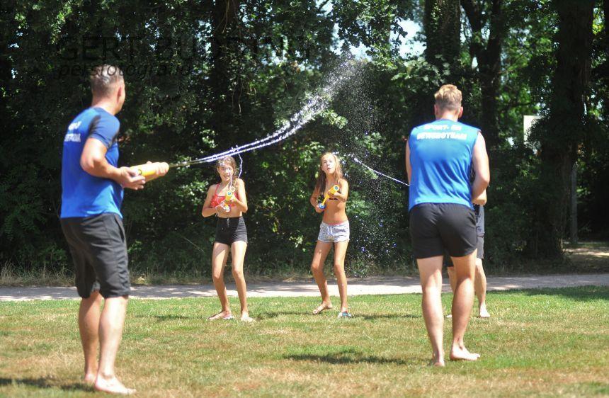Sportteam Renkum daagt Heelsumers uit watergevecht