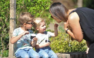Tientallen ijs bolletjes voor kinderen (en ouders) wijkvereniging De Doornenkamp