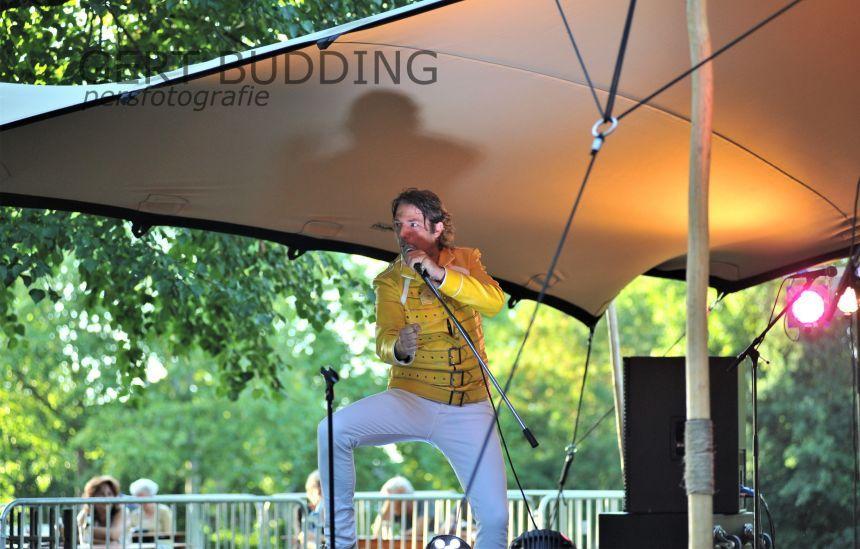 Grote belangstelling voor coverband 'Queen Most Go On' in Wageningen Cultuur Zomer.