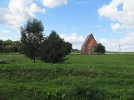 Zapyshkis_church,_Lithuania_2013-08-30_-_from_E_in_distance