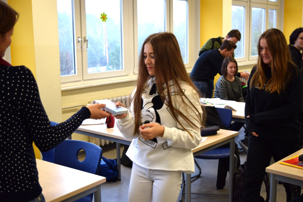 Gesamtschule KW_Eine kleine vorweihnachtliche Überraschung..._Dezember 2017_3