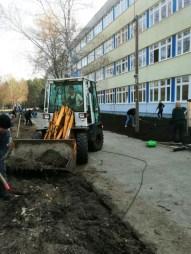 Gesamtschule-Königs-Wusterhausen_Grosser-Arbeitseinsatz-auf-dem-Schulcampus-Königs-Wusterhausen-der-FAWZ-gGmbH_5