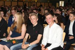 Gesamtschule Petershagen_Abschlussfeier Klasse 10 im SJ 2015-16_ Motto des Abends - Casino Royale_43