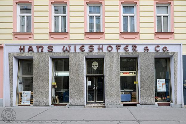 Hoschek E, vorm. Hans Wieshofer & Co: 1070 Wien
