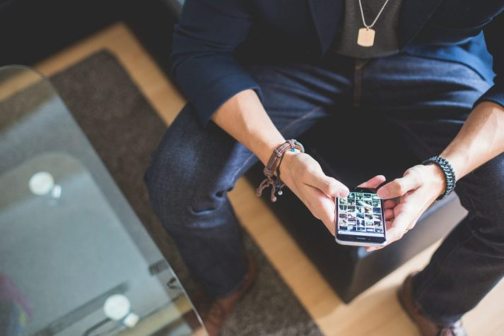 Tinder. Amor líquido en la era digital