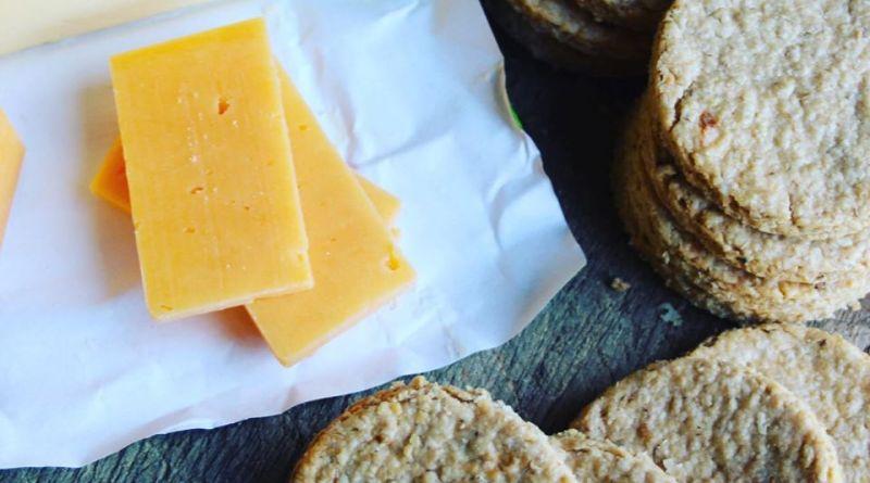 Mackinley's Scottish Oatcakes Cheese