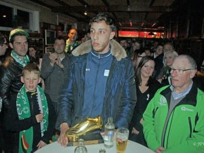 Yassin Gueroui neemt Gouden Schoen in ontvangst