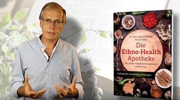 """Dr. Ingfried Hobert mit seinem Buch """"Die Ethno Health Apotheke"""""""