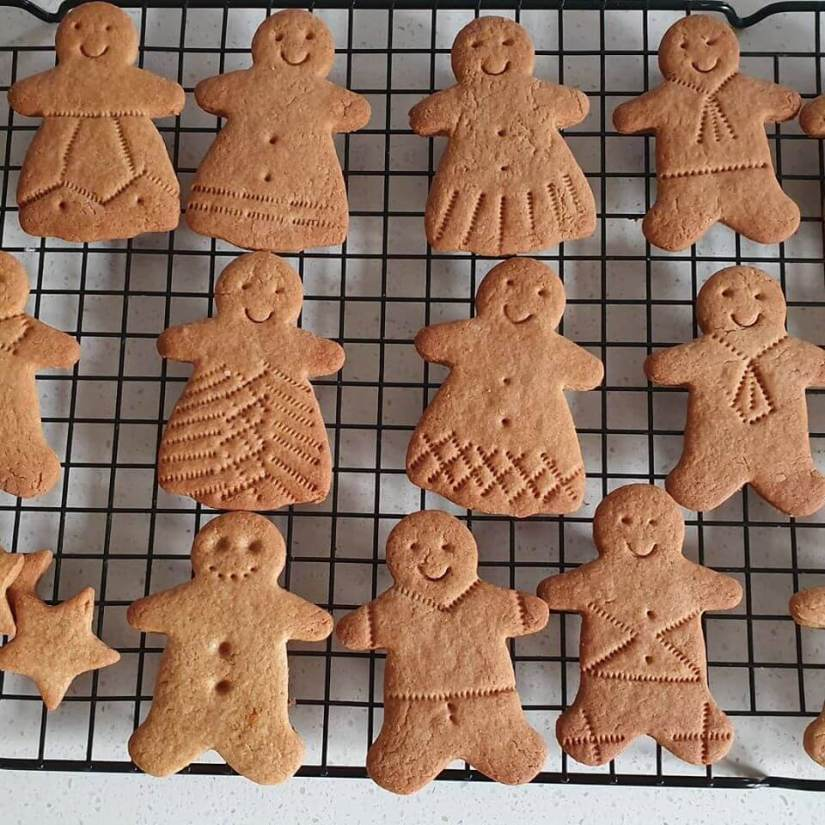 learn to make ginger biscuits