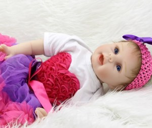 22 Inch Reborn Baby Girl Realistic Silicone Newborn Babies Wearing Beautiful Dress
