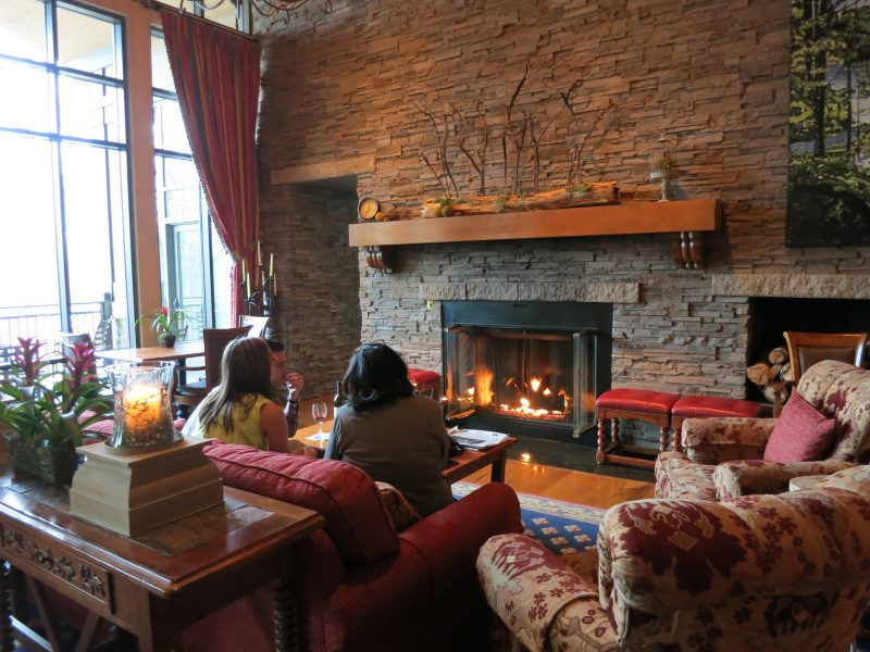 Living Room, Lodge at Woodloch, PA #VisitPA @getawaymavens