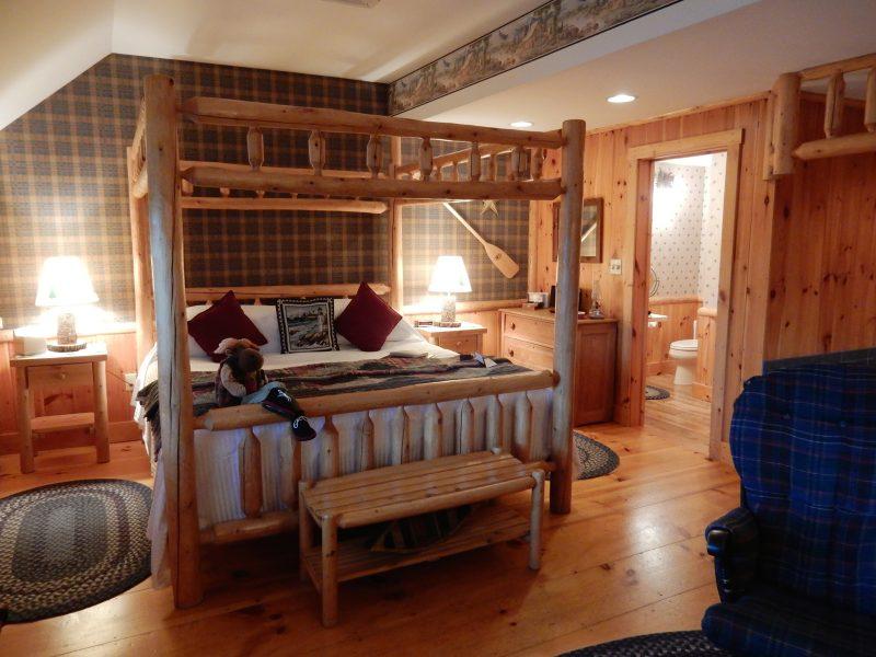 Log Pine Four Poster Bed, Cedar Glen Room, Rabbit Hill Inn, VT