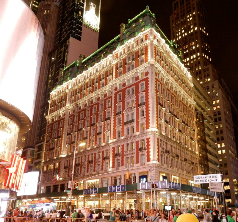 knickerbocker-hotel-at-night-times-square-nyc