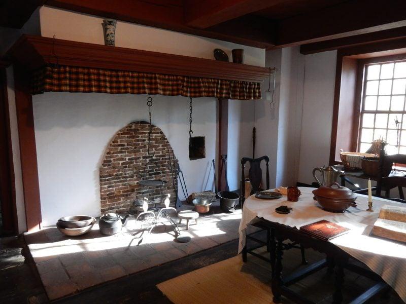 jambless-fireplace-historic-huguenot-street-new-paltz-ny