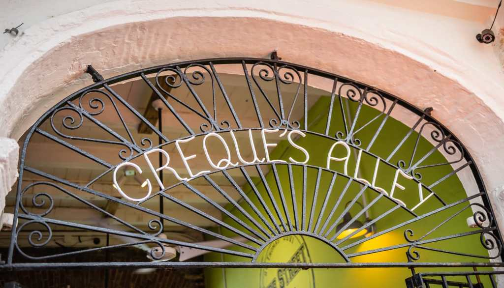 Creques Alley Sign