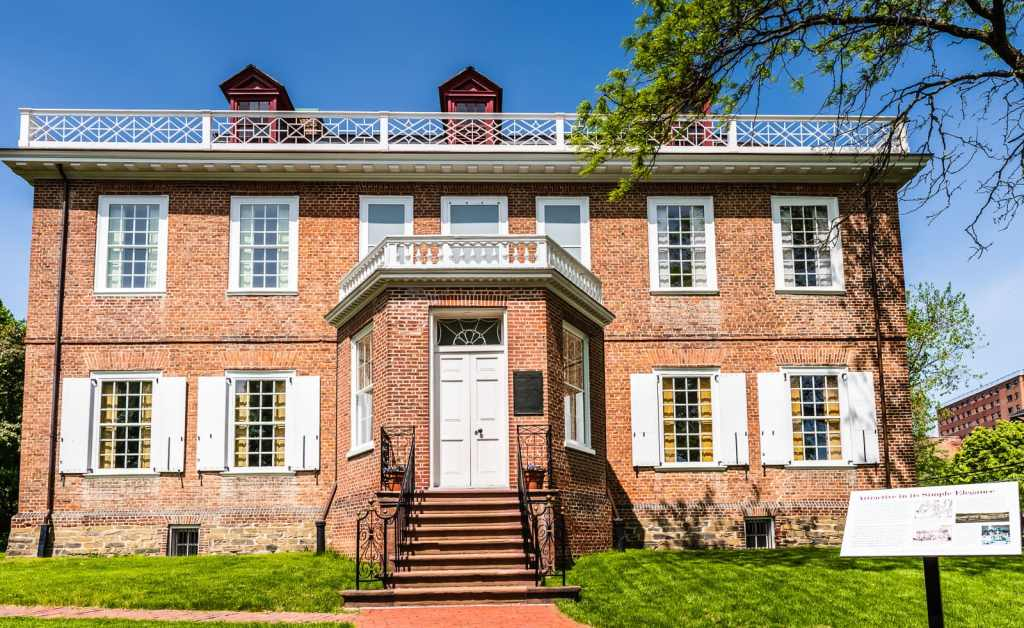 Schuyler Mansion front exterior.