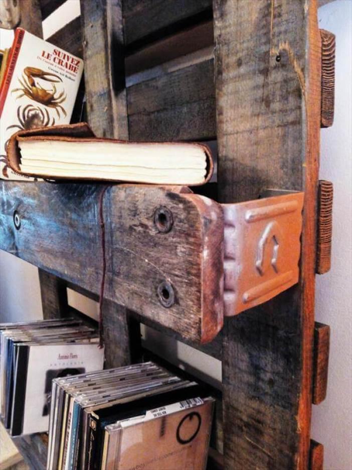 Spectacular diy wood bookshelf #diybookshelfpallet #bookshelves #storageideas