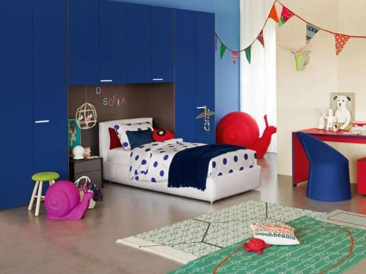 Excited girls bedroom curtains #kidsbedroomideas #kidsroomideas #littlegirlsbedroom