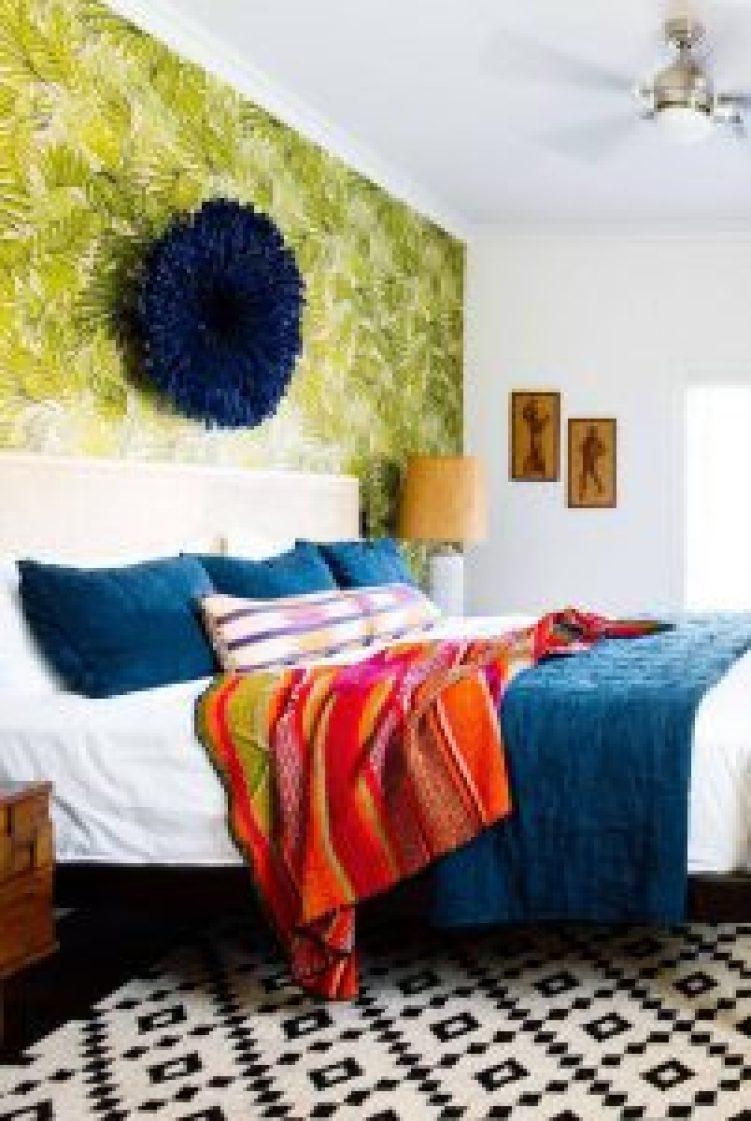 Brilliant glitter accent wall ideas #accentwallideas #wallpaperideas #wallpaintcolor