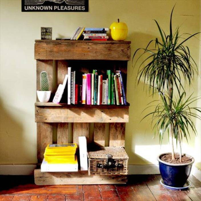 Antique Bookshelf Made From Pallets