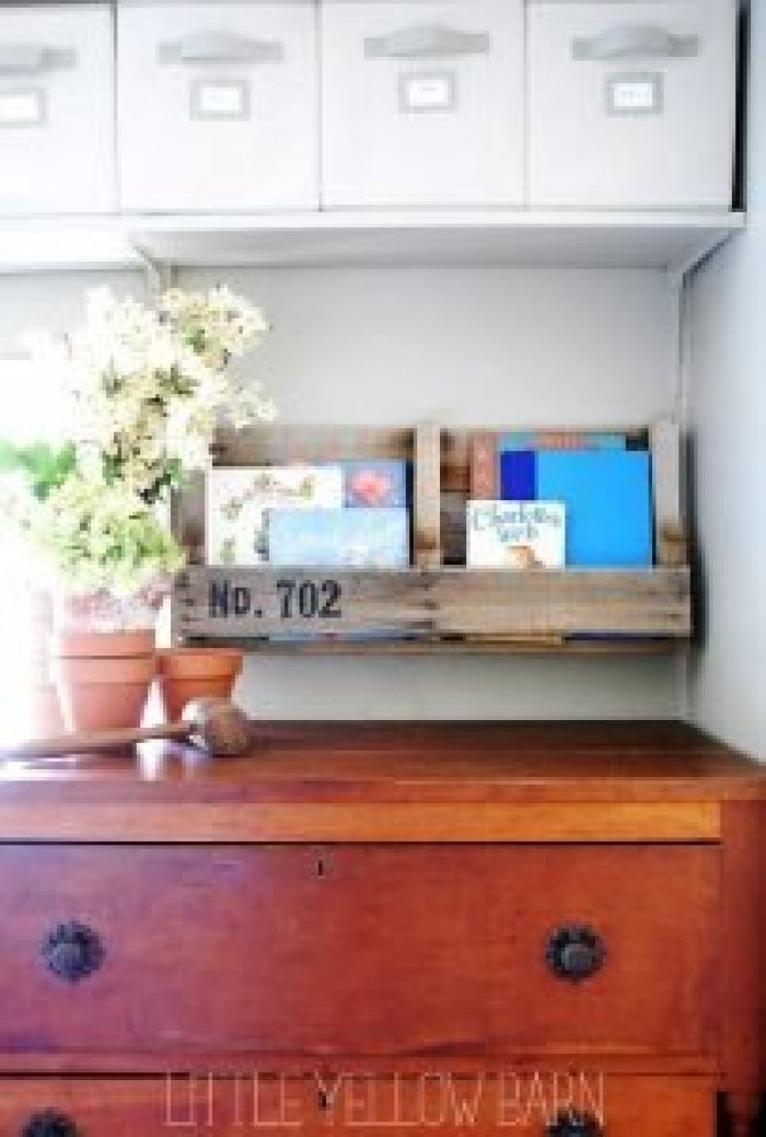 Eye-opening pallet storage ideas #diybookshelfpallet #bookshelves #storageideas