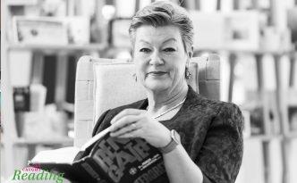 Commissioner Ylva Johansson reading Klas Östergren's book and Renegater