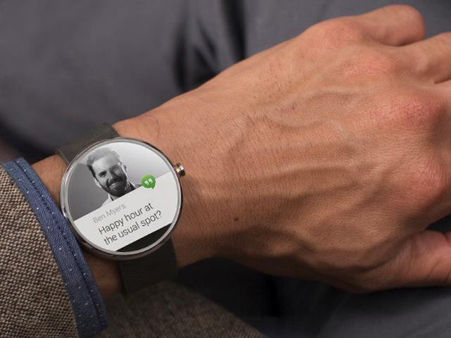 Moto 360 Smartwatch by Motorola