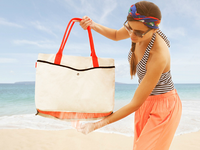 Shake Women's Tote is Perfect for the Beach