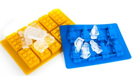 Building Bricks and Minifigure Ice Cube Trays are Awesome
