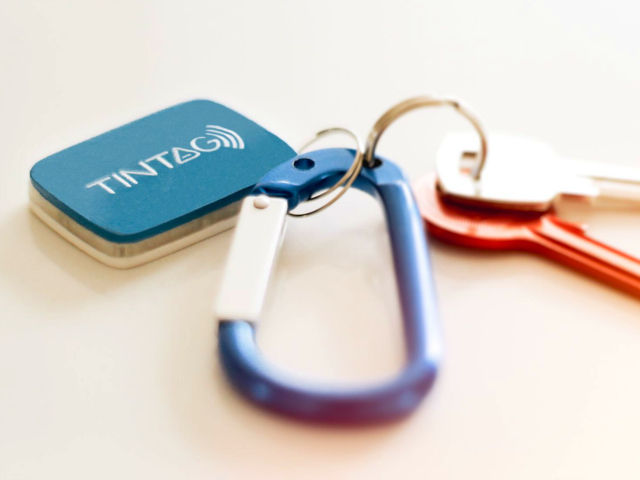 10 Must Have Gadgets that Fit on your Keychain