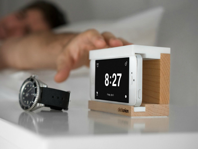 Snooze Better with Snooze Alarm Dock for iPhone