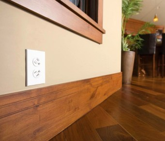 360 Degree Rotating Power Outlet (2)