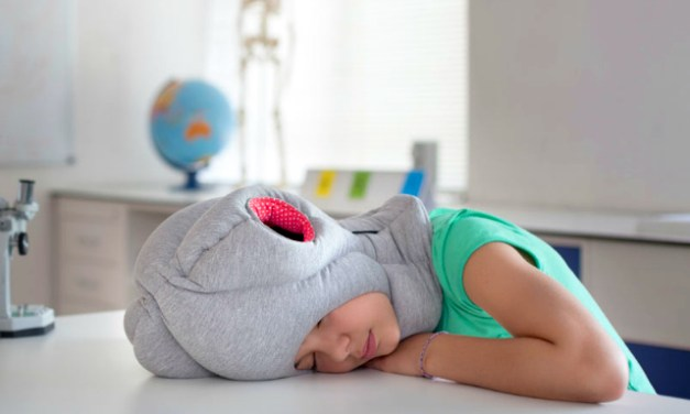 Ostrich Pillow Junior – Now Everyone Can Nap