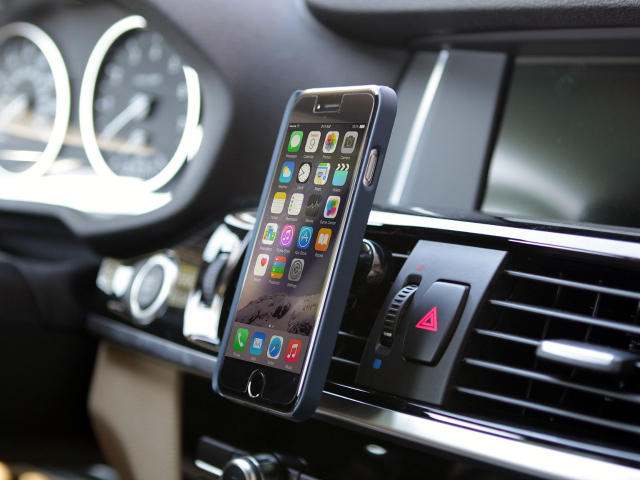 iTap Magnetic Vent Mount is the Answer to your Car Mount Problems