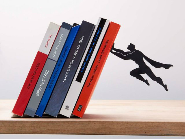 Book & Hero – Superman Saves Books From Falling
