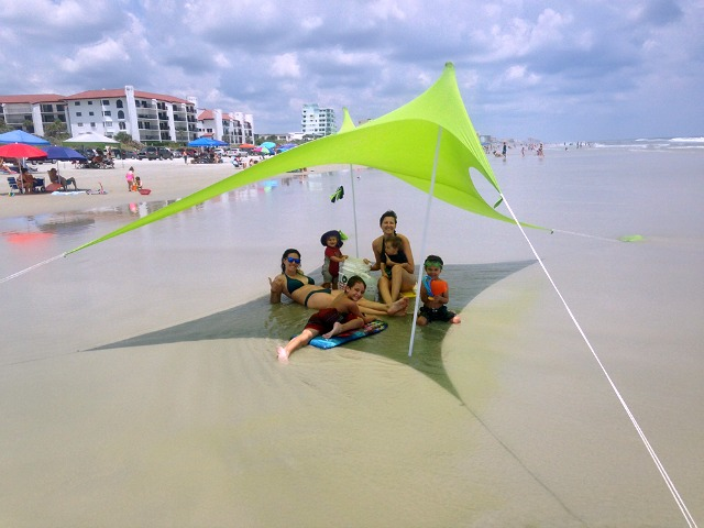 Otentik SunShade: Beach Tent the Size of a Rolled-up Towel