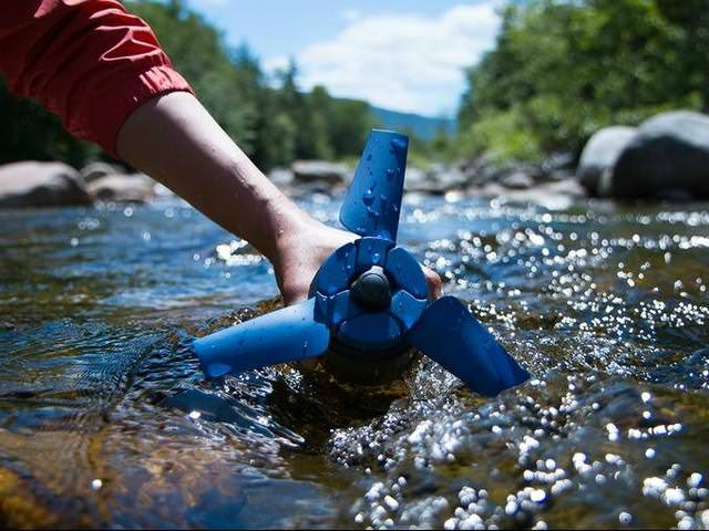 Estream: Hydroelectric Generator that Fits in your Backpack