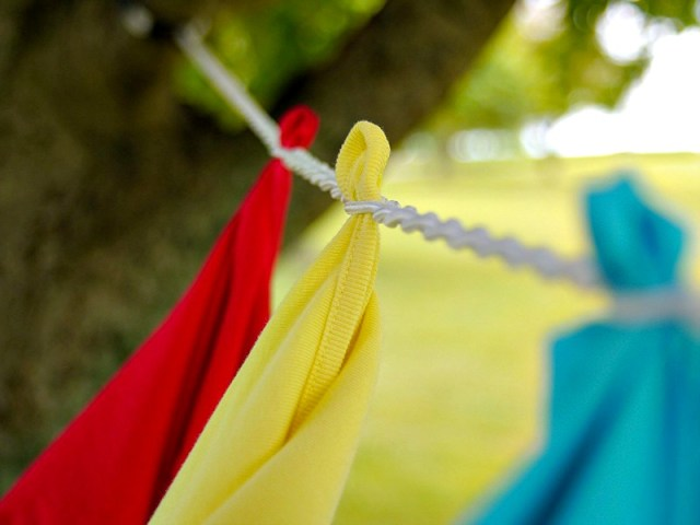 Space Saving Travel Bungee Clothesline Requires no Pins