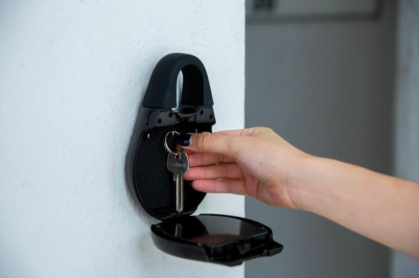 igloohome Smart Lockbox Works Without Internet Connection - GetdatGadget