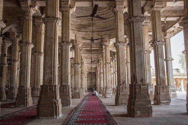 rani-sipris-mosque-tomb-1514768_640.jpg