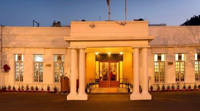 Delhi Gymkhana Club: Heated pools in Delhi